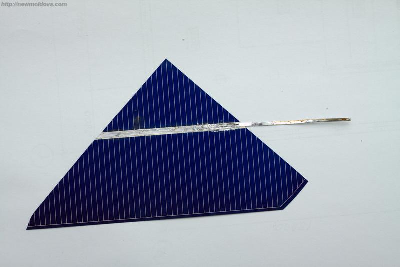 Разбитые ячейки для солнечной батареи с проводом