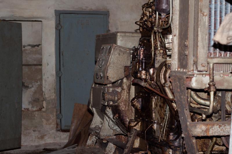 Дизель-генератор в бомбоубежище
